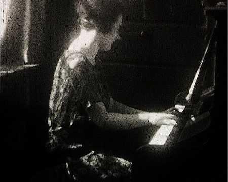 BALBINA AU PIANO I - FRESNAY (237)