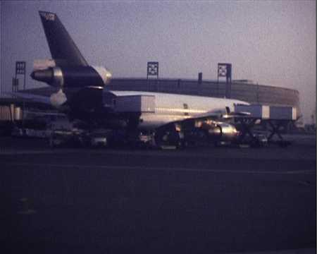 NOEL - DEPART DE L'AEROPORT CHARLES DE GAULLE POUR SVENBORG (?)