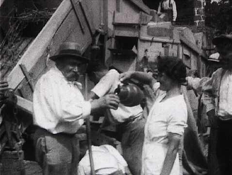 VACANCES EN MAYENNE 1937